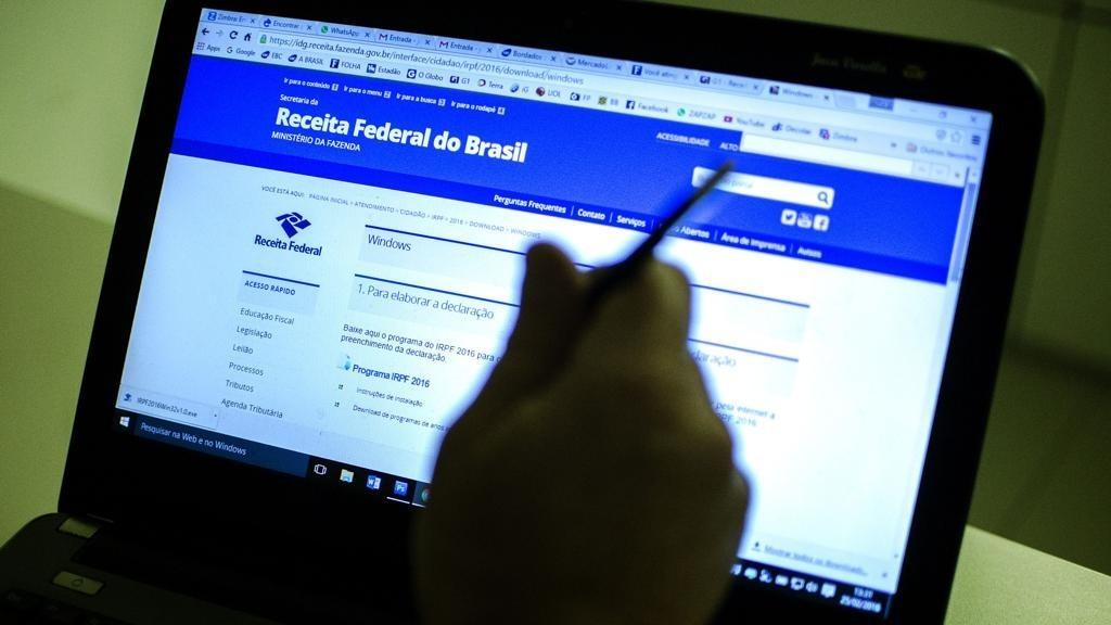 Imposto Renda Irpf Receita Federal Foto Marcelo Camargo Agbr 1024x576 - Contabilidade em Brasília   Vértice Contadores e Associados S/S Ltda.
